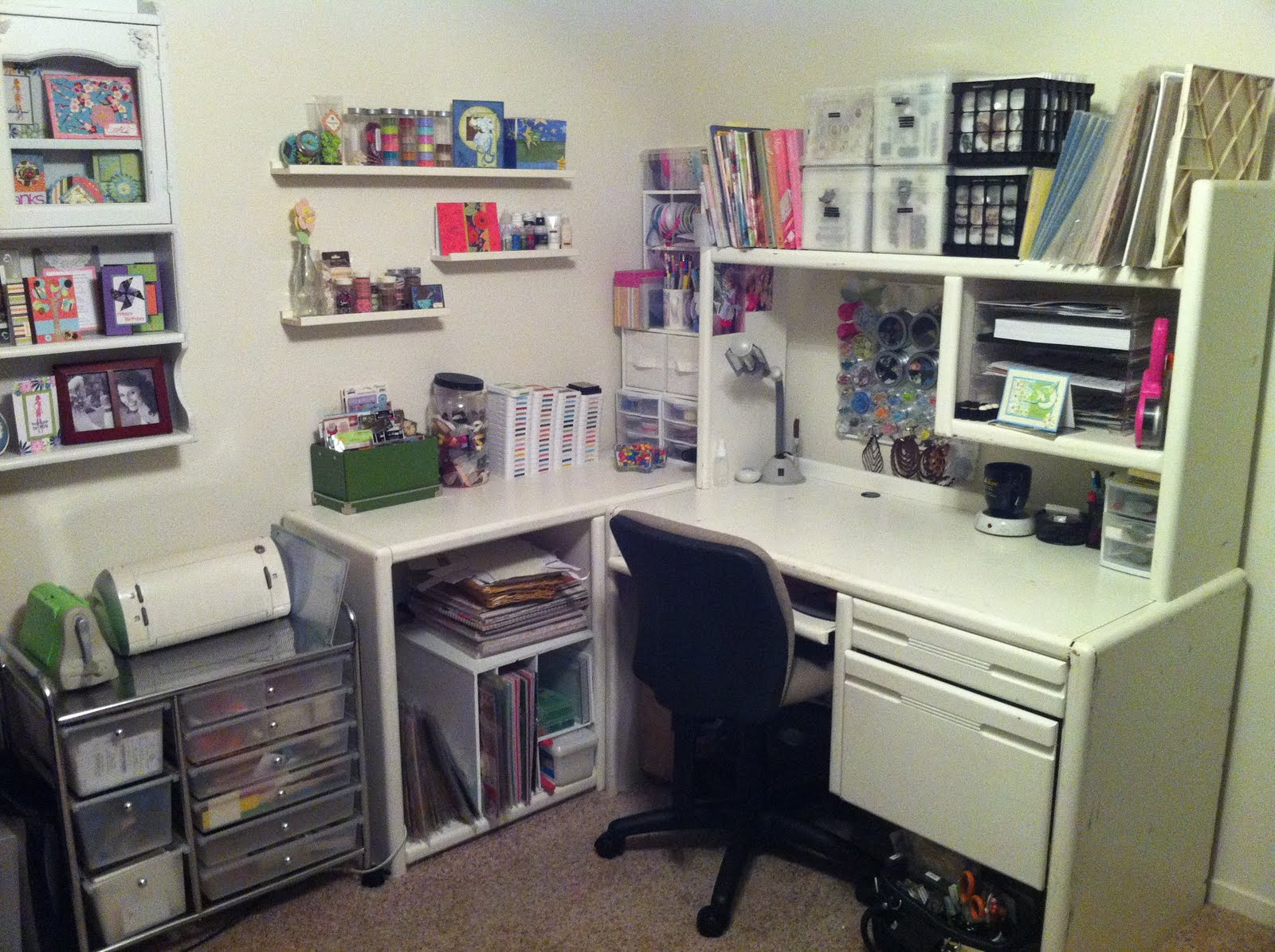 Craft Room Desk: Playing With Paper: Scrapbooks, Cards & DIY Using CTMH