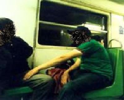 Encuentros sexuales en el metro [PUNIQRANDLINE-(au-dating-names.txt) 26