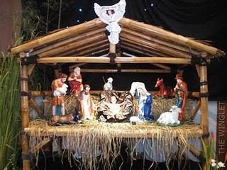 natal identik dengan dekorasi gua/kandang, pohon natal