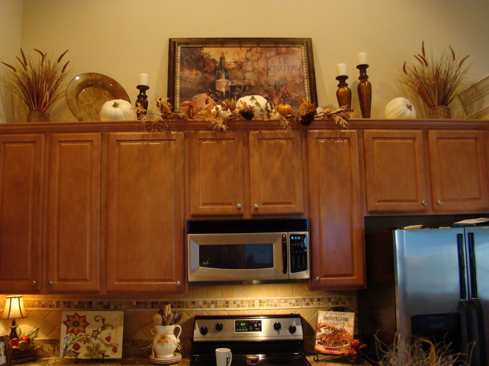 Adventures In Decorating Our Fall Kitchen: Adventures In Decorating: Fall Is In The Air