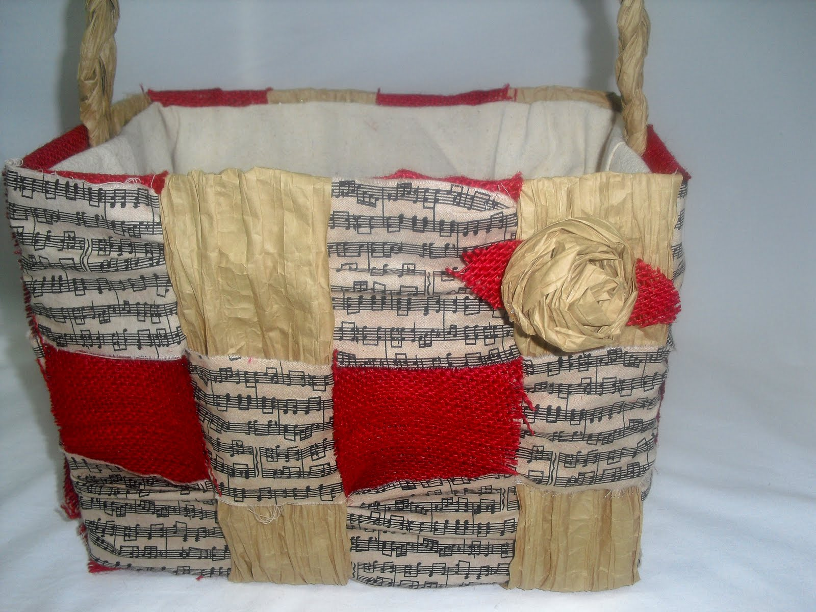 A good first project to demonstrate the power of recycled paper bags is a garden basket. Garden baskets are handsome, easy to make and decorate, and .