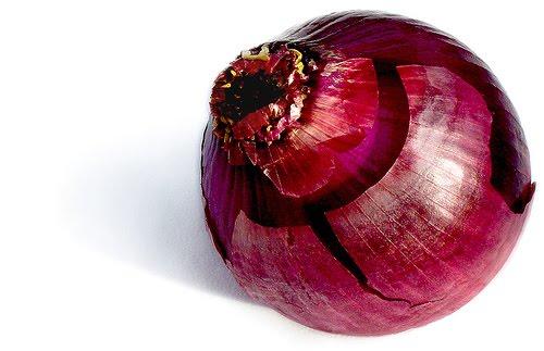 Красный сладкий ялтинский лук