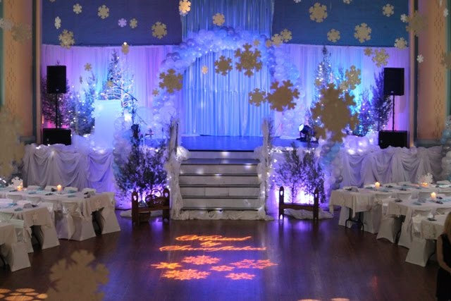 How To Decorate Wedding Arch  Living Room Interior Designs-5964