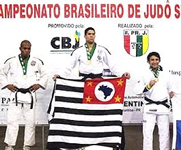 68648efe7 O atleta amazonense Tasso Alves trouxe para o Estado a medalha de bronze no  último Campeonato Brasileiro de Judô Sub 23