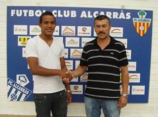 El davanter Juan Carlos s'incorpora al F.C. Alcarràs Foto+juan+carlos+copia+1