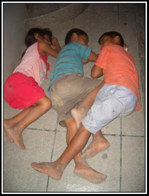 ninos-durmiendo-en-las-calles%2Bderechos-humanos%2Bpobreza+10 de diciembre-dia-de-los-derechos-humanos-derechos-humanos