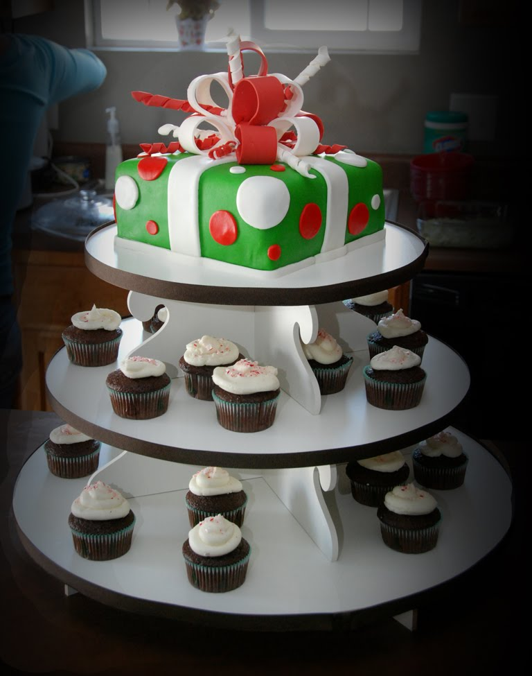 Frost This....: December Cakes