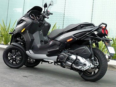 all motorcycle pictures piaggio mp3 500. Black Bedroom Furniture Sets. Home Design Ideas