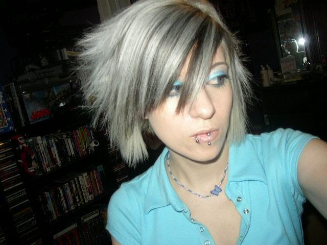 Layered Gray Emo Hairstyle For Girls Emo Haircuts Emo