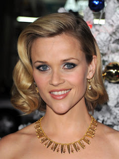 Reese Witherspoon Hairstyle Photo