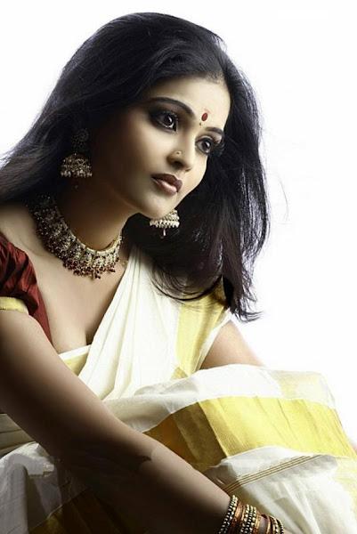 Sexy Actress Gallery Vishnupriya 12-5546