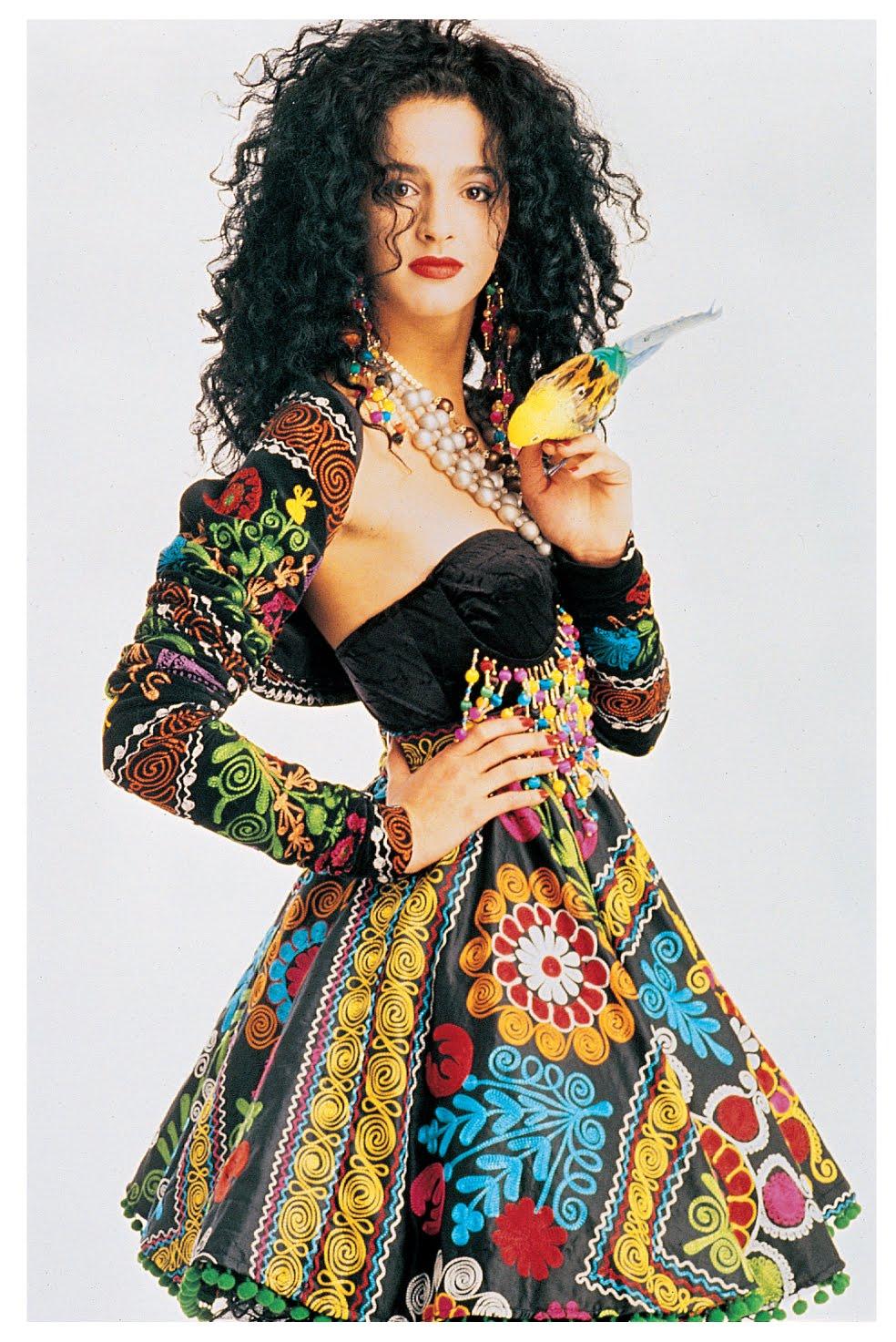 NURIT BAT-YAAR FASHION-ART: Israel Fashion Art 1948-2008