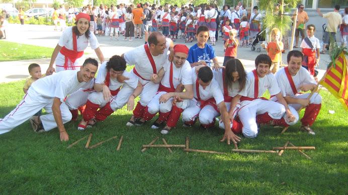 Els Bastoners de Malla fent xerinola