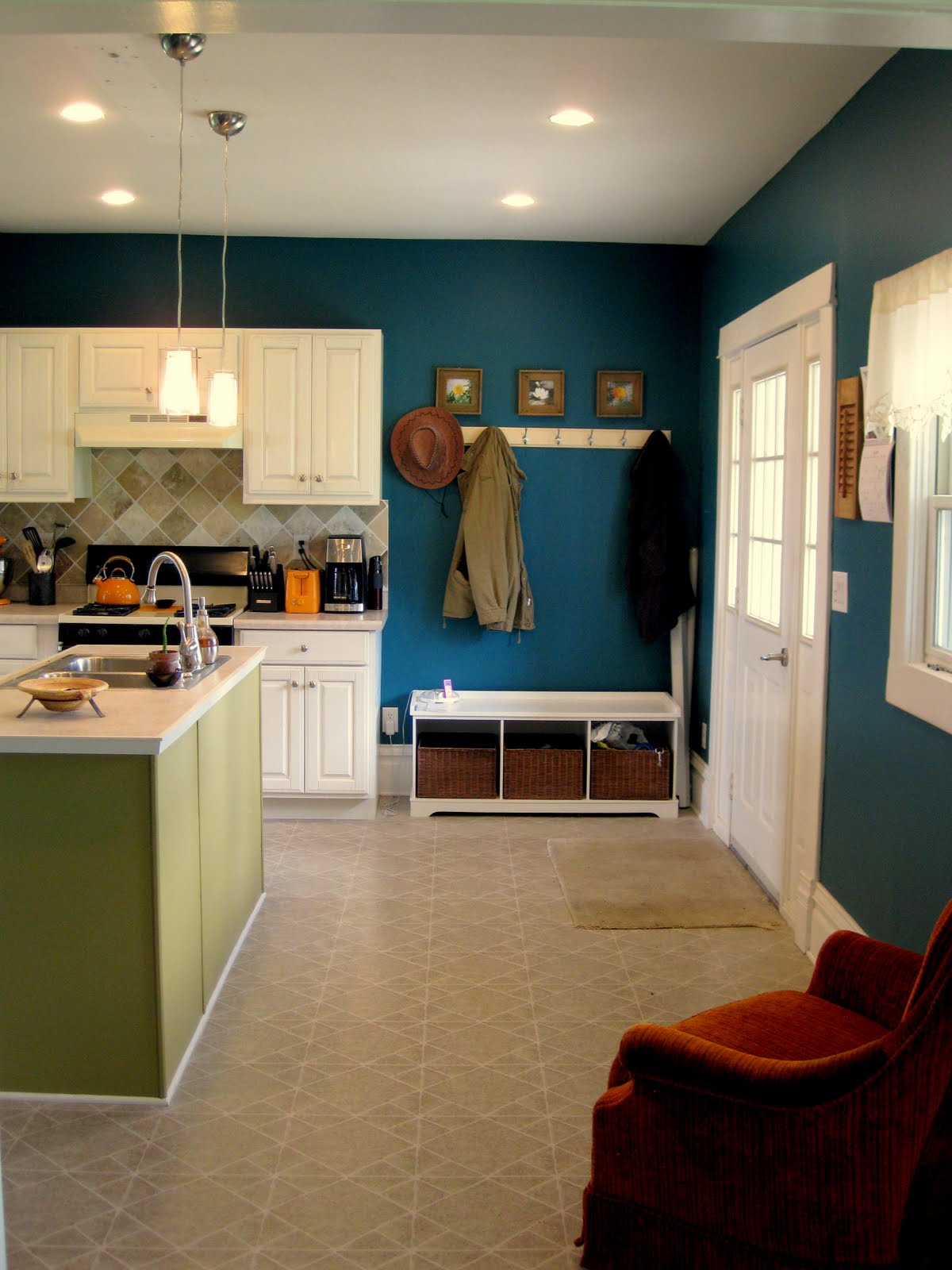 Budget Kitchen Updates Accent Wall and Faux Painted