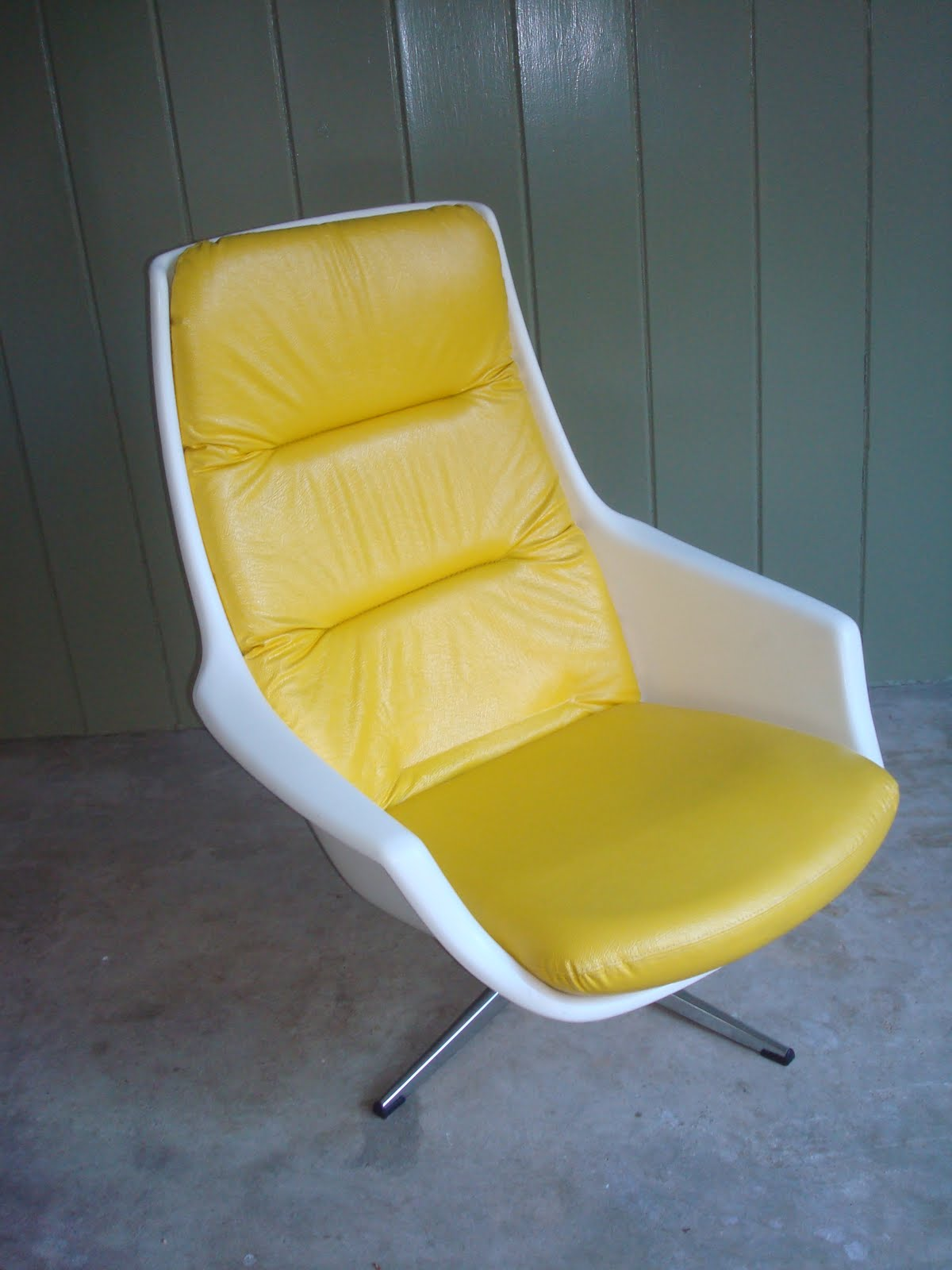 Yellow Egg Chair Sold Overman Swivel Chair Yellow Vinyl Modern60