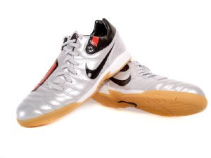 9ce1c3b62e39 shoescentral  Nike Total 90 Shift IC Indoor Soccer Shoes
