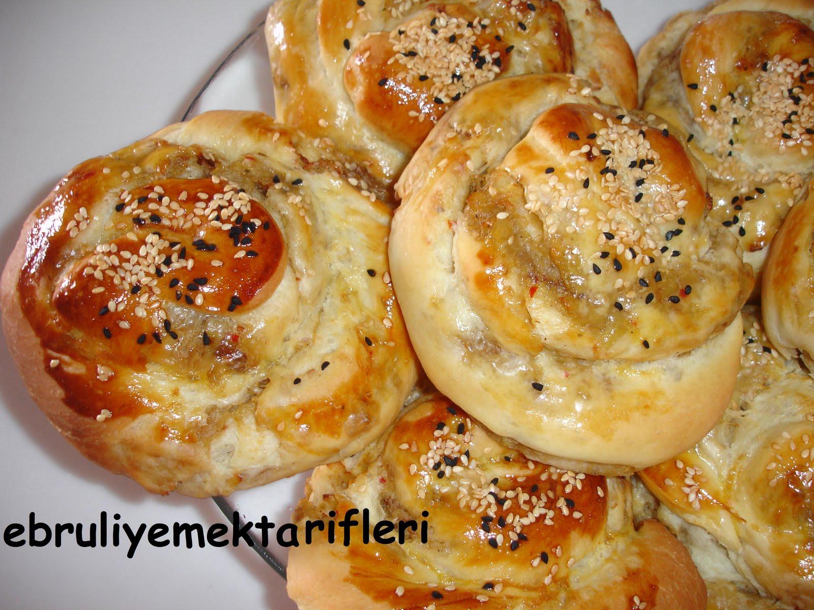 Patates Hamurlu Helvalı Çörek Tarifi