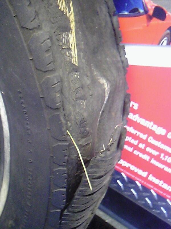 [Blown+Tire+2_7.29.2007.jpg]