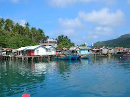 Langit Biru di Pulau Keramut