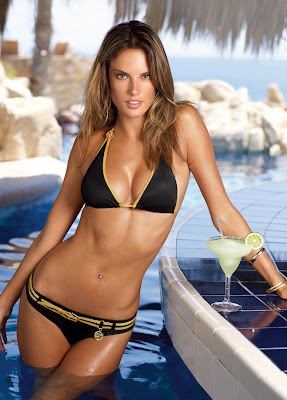 Just how incredible does Alessandra Ambrosio look in this?