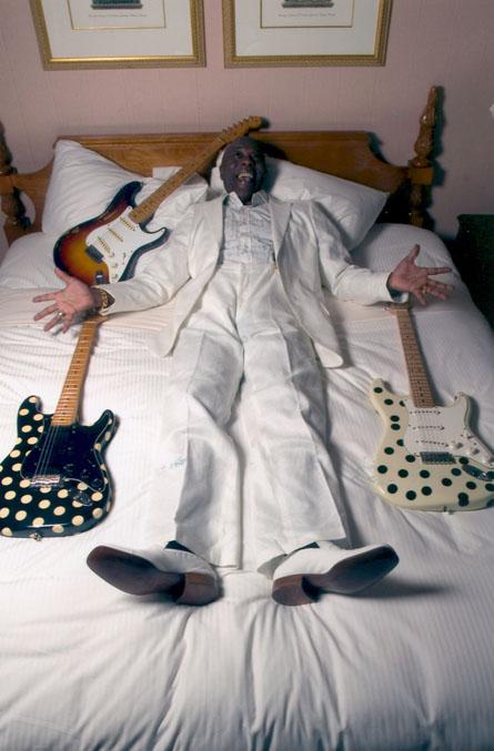 buddy guy is living proof stratocaster guitar culture stratoblogster. Black Bedroom Furniture Sets. Home Design Ideas