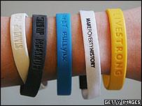 [bracelets_getty203.jpg]
