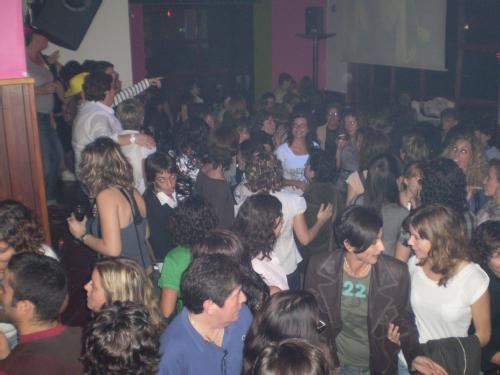 Imagen del pub de ambiente lesbiano On Anem? de Valencia