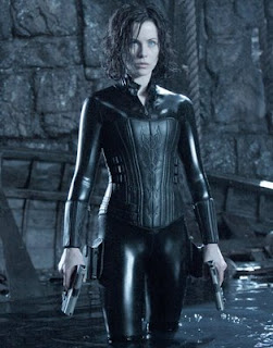Kate Beckinsale as Selene in Underworld.