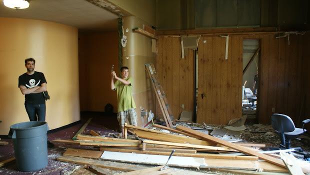 ' Kiggins Theatre Theater Demolition