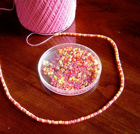 cordones con telares de tricotín, telar, bisutería, tejer