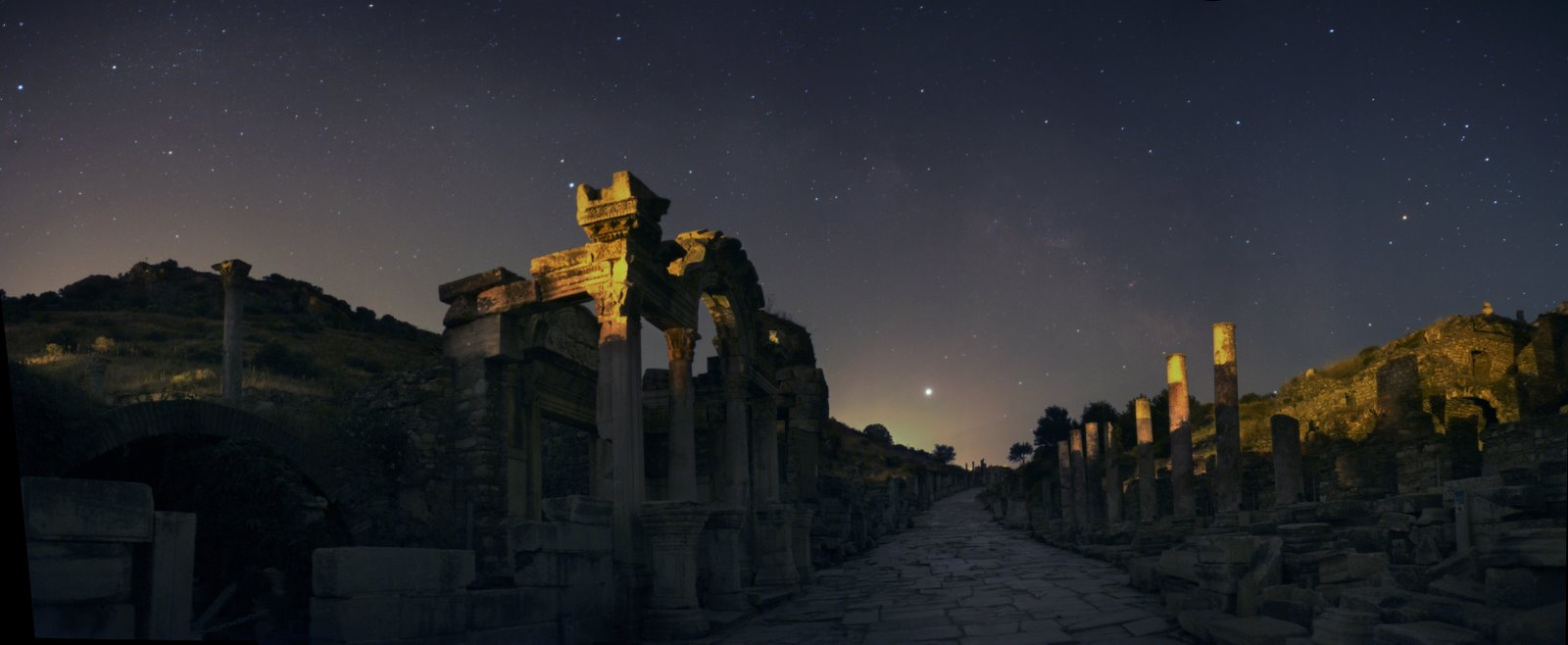 [Ephesus+at+night]
