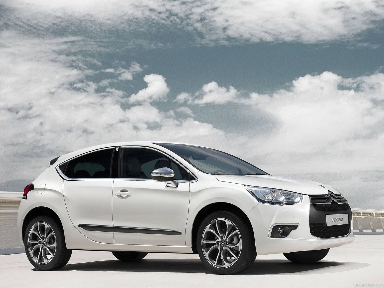 https://1.bp.blogspot.com/_xhqjRo6NERQ/TP6tSdPfgJI/AAAAAAAAJlY/hXdIssEmP94/s1600/Citroen-DS4_2012_1280x960_wallpaper_01.jpg