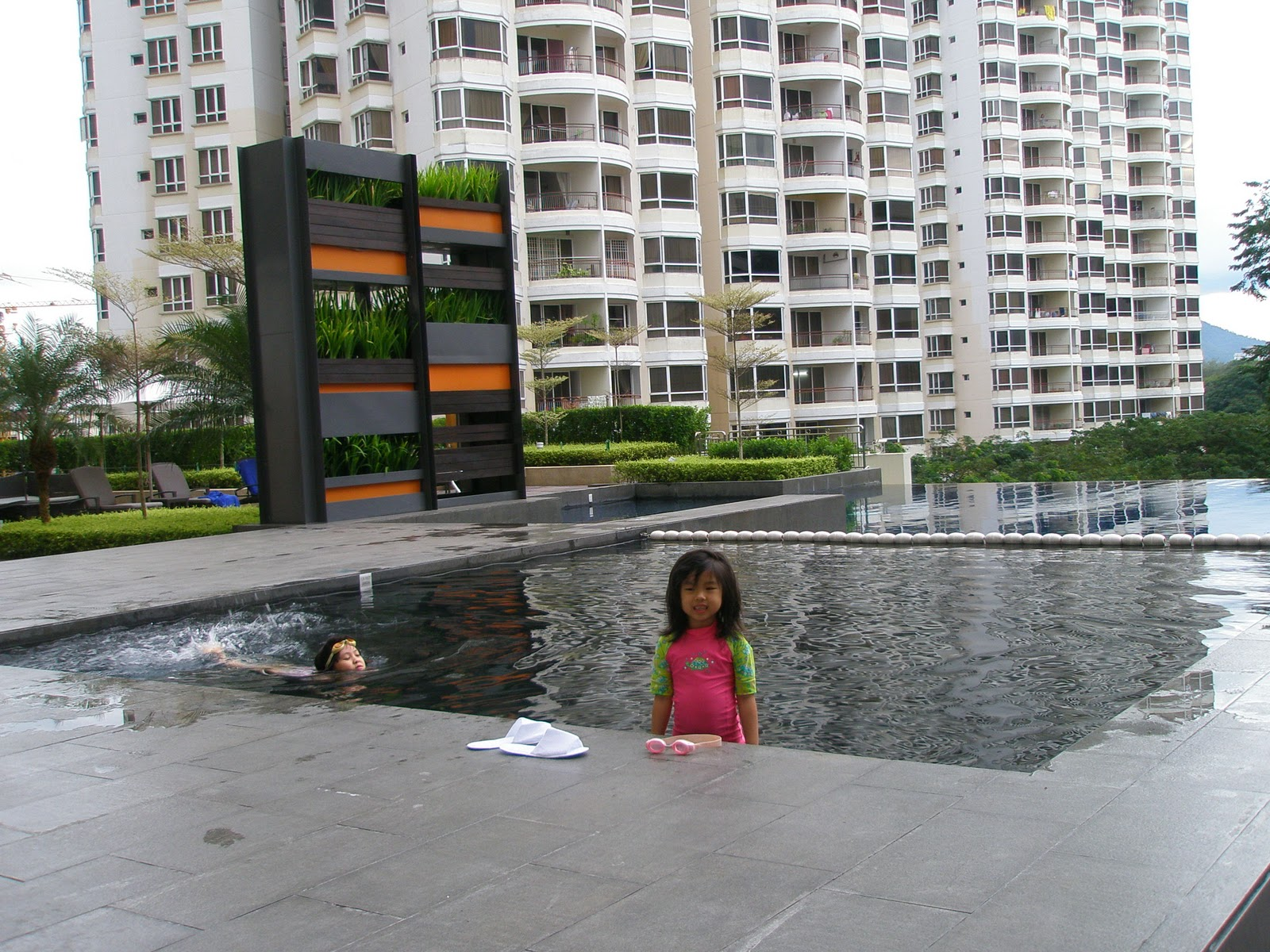 Health freak mommy pool side fun at g hotel and gurney hotel penang for Gurney hotel penang swimming pool