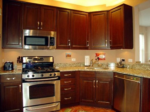 Lincoln Kitchen Cabinets