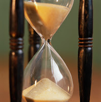 Slow down the biological clock by controlling your attitude, eating habits and exercising habits.