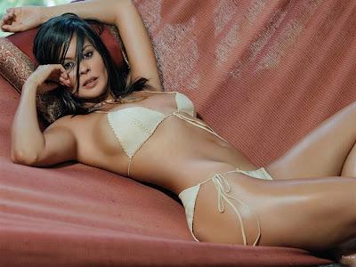 Brooke Burke Sexy Babes
