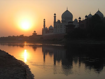 landmark photos taj mahal in india at sunrise pictures