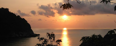 beautiful evening sunset photo of koh pha ngan island famous in thailand