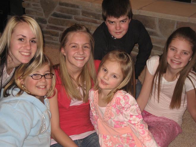 Hayley, Annie & cousins