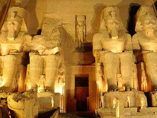Abu Simbel Iluminado