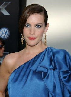 Short hairstyles Celebrity Haircut Liv Tyler 3
