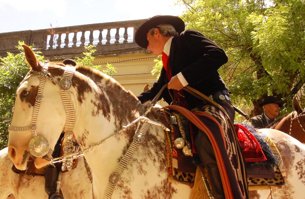 Patagonia South America >> Guia da Bombacha: Pilchas Gaúchas e Aperos de Gala - Moda Gaucha: