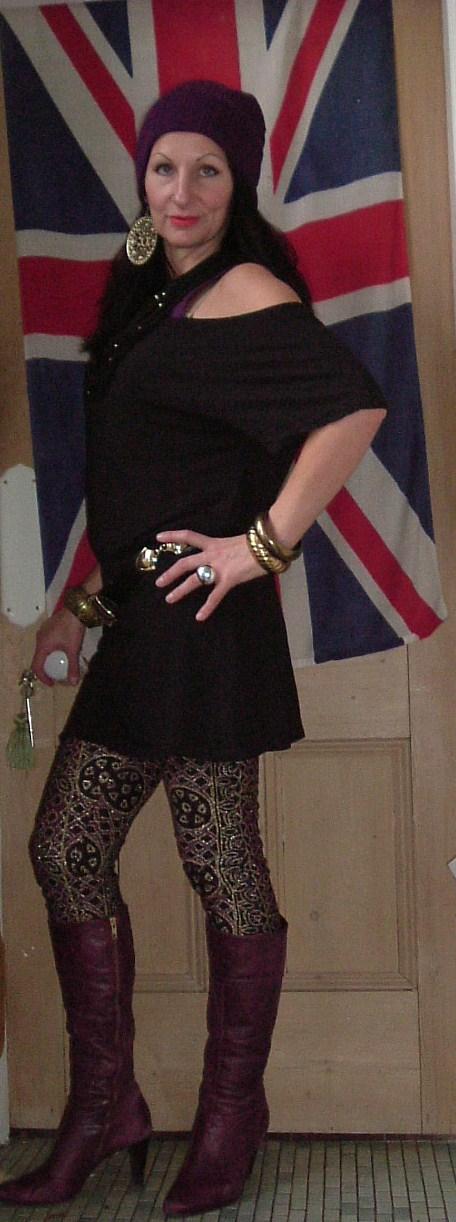 Vintage Vixen: Hot Legs!