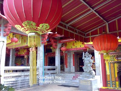 jui tui temple, lantern, phuket