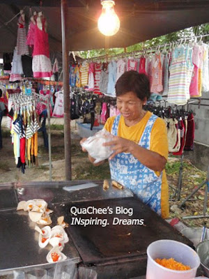 thai night market, phuket, thailand - pancake, thai snack