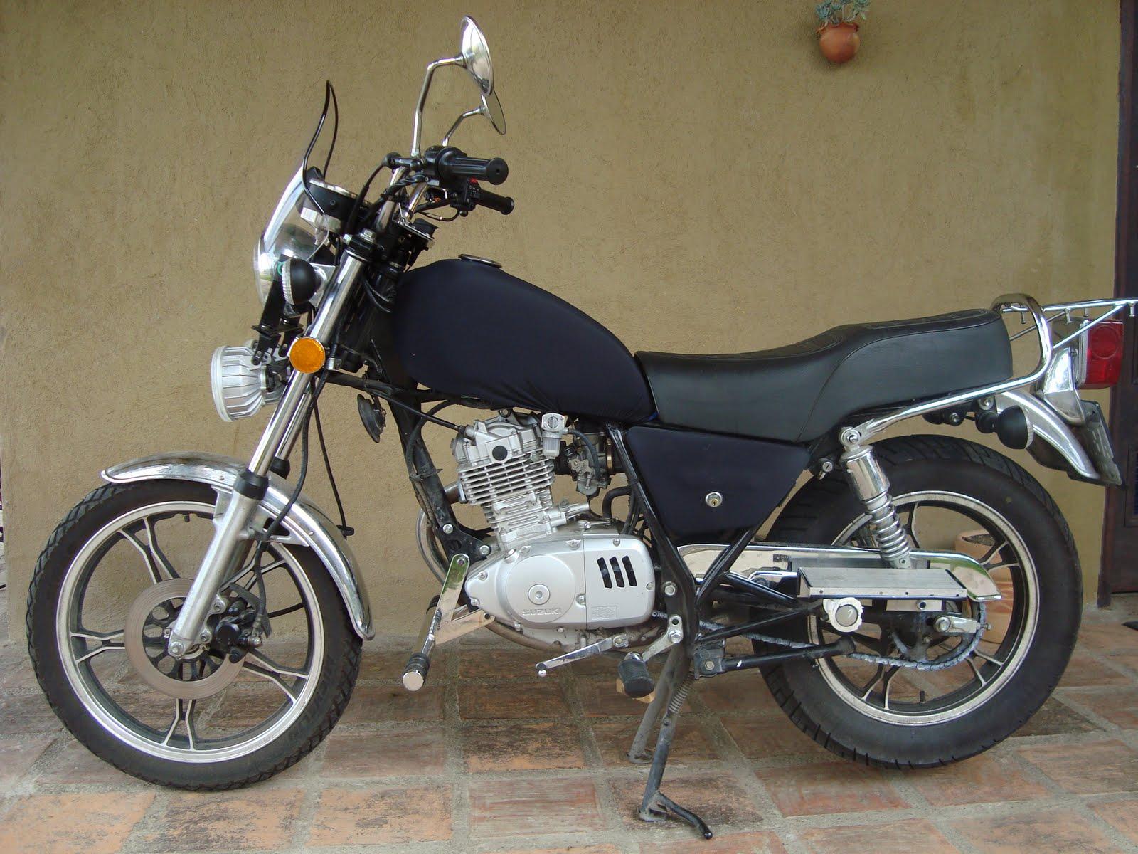 artand en dos ruedas viaje desde venezuela hasta ecuador en moto suzuki gn 125. Black Bedroom Furniture Sets. Home Design Ideas