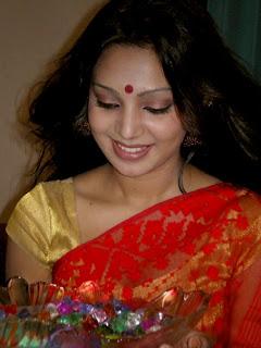 modelProva Smile picture, actress Sadia Jahan Prova new sexy picture