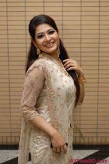 Bangladeshi Model Azmeri Haque Badhon