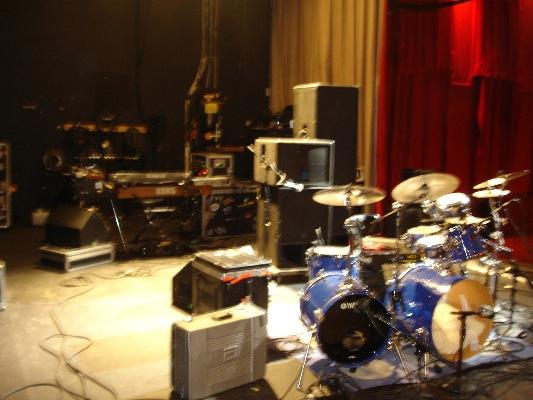 [TND+-+2008-05-23+-+01+Stage.jpg]