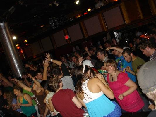 [TND+-+2008-05-22+-+11+Crowd.jpg]